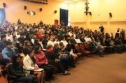 Fueron 300 estudiantes los graduados en las distintas especialidades que esta escuela tiene para la superación profesional y personal de sus alumnos: mantenimiento automotriz, cultora de belleza, computación y diseño gráfico. Fotos: CST