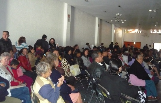 Militantes perredistas de diferentes clubes y comunidades de Ecatepec se reunieron con la precandidata Susana García en céntrico clu social. Foto: CSSGE